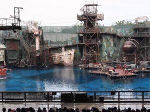 Wahana Pertunjukan Waterworld di Universal Studio